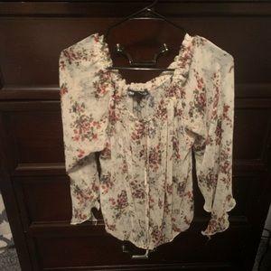 Super chic flowy flowered shirt